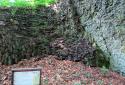 Szilvás-kő, szűk sziklahasadékok, impozáns bazaltoszlopok