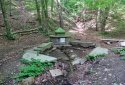 Vállus, Medvehagyma-tanösvény, Láz-tető, Pad-kő